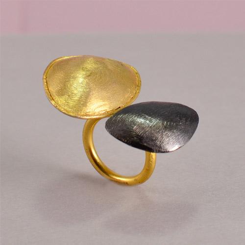 Designer Gold And Black Color Rings