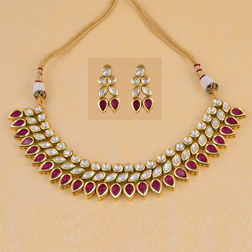 Traditional Red Kundan Necklaces With Earrings