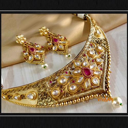 Traditional Gold Color Necklace With Earrings